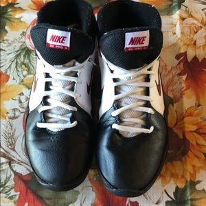 Nike AV Pro 3